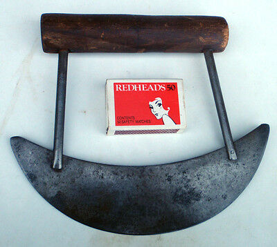 Kitchen Herb Cutter , Curved blade .""