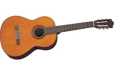 Yamaha C40 Classical Acoustic Guitar (Natural Finish). New