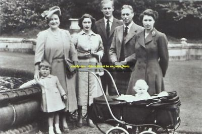 mm134 - young Queen Elizabeth & family group  - photo 6x4
