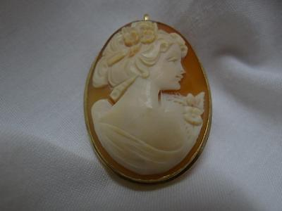 Lovely Vintage Genuine Cameo 14K Gold Pin / Pendant Cameo
