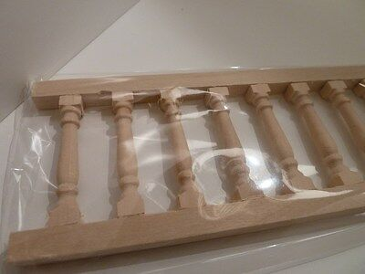 Dolls House Miniature Wooden Balustrade (C68)