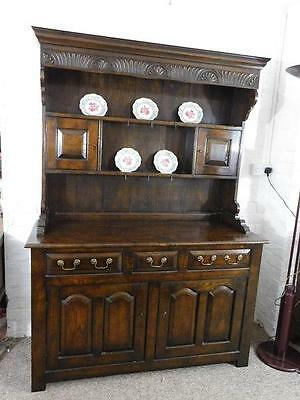 A Stunning Vintage Solid Country Oak Georgian Style Dresser