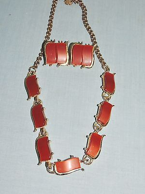 Vintage 1950's Thermoset Necklace & Clip Earrings