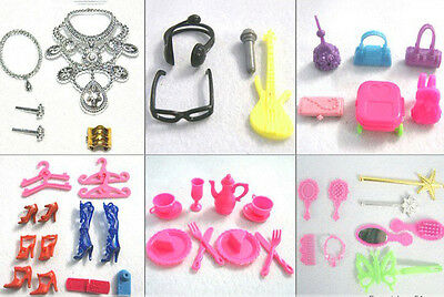 50pcs Mixed Plastic ACCESSORIES Shoes Hangers Jewelry for Barbie Doll Decoration