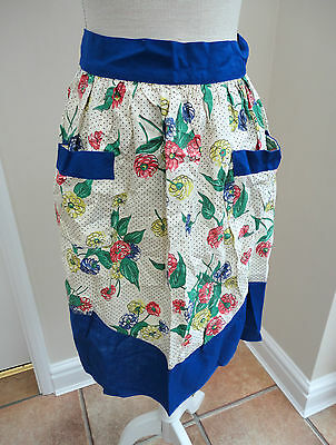 LOVELY VINTAGE RETRO 1960s BLUE & WHITE FLOWERY TIE BACK CUPCAKE COOKING APRON