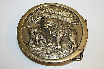 Vintage Grizzly Bear & Cub Nature Wildlife Outdoorsmen Brass Belt Buckle Rare