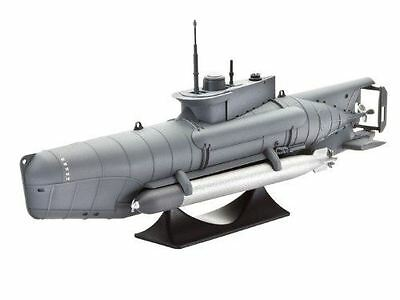 "Revell Submarine Type XXVIIB ""Seehund"" 1:72 Model Kit - 05125"