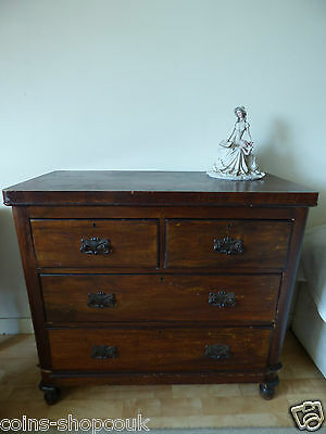 Attractive George III mahogany chest of drawers c 1780