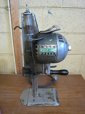 """Wolf Pacer Series III 7"""" Blade Straight Knife Fabric Cutter Cutting Machine Used"""