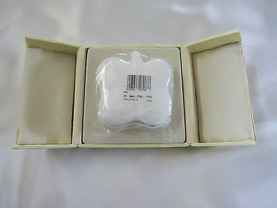 "Villeroy & Boch ""Luck"" Cloverleaf Pure White Trinket Box with Lid"
