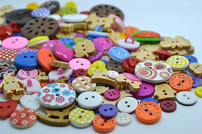 100 Random Mix Buttons Quality Wooden Resin Craft Scrapbooking Sewing Cardmaking