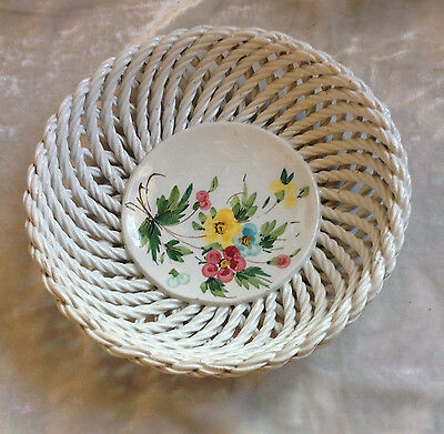 Vecchia Bassano Rope Plate With Painted  Rose And Leaves On The Center