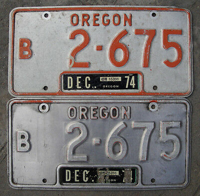 Oregon License Plate Pair Bus  #B 2 - 675  RARE