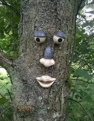 Garden Tree Face Novelty Garden Ornament Decoration Funny Face Fence Shed Tf101
