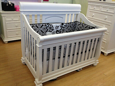 Belize 4 in 1 Convertible Crib-Free Shipping in the Greater Toronto Area