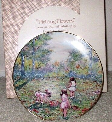 New In Box Picking Flowers Porcelain Calhoun's Collectors Plate Dominic Mingolla