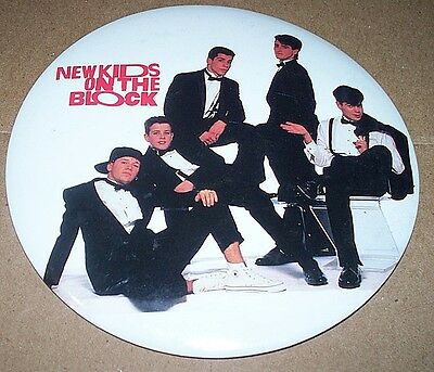 VINTAGE 1989 New Kids on The Block Button Pin Stand Large 6 inch NKOTB
