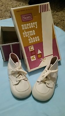 Vintage 1950s Sears Nursery Rhyme Childcraft White Leather Booties w/box