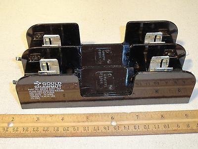 Gould Shawmut 60327 600V 30A 2-Pole Fuse Holder Block