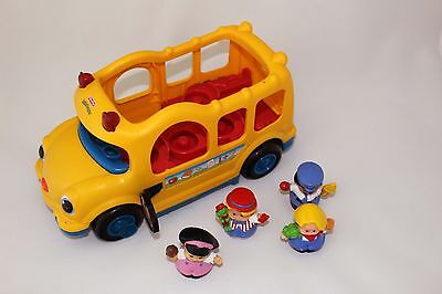 Fisher Price Little People yellow schoolbus lil' movers with 4 characters