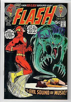 The FLASH #207 – 9.4 – Neal Adams cover!