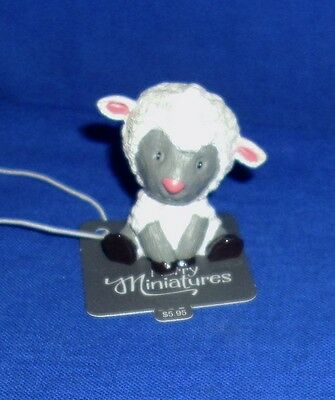 "Hallmark Easter Merry Miniatures Figurine Sweet Lamb 2016 Sheep 1-1/2"" High"