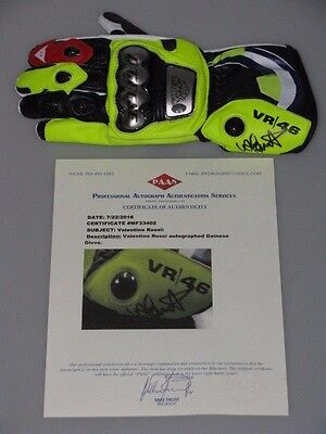 VALENTINO ROSSI Hand Signed Racing Glove  COA MF33402 *BUY AUTHENTIC ROSSI *