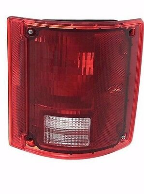 windsor 2002 2003 2004 right passenger tail lamp taillight la palma 2002 2003 2004 2005 taillight tail light lamp rv right