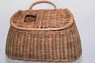 Vtg Woven Fishing Creel Trout Basket River Creek Beach Wall Cottage Cabin Decor