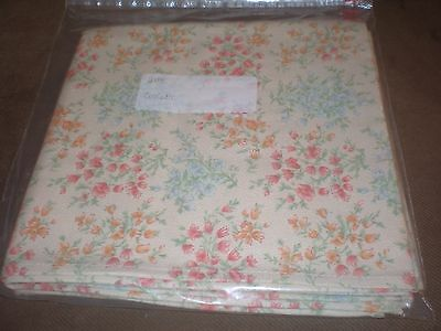 "Longaberger 36"" Fabric Square - Vintage Blossoms"
