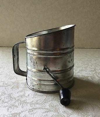 Vintage Small 1-Cup Sifter