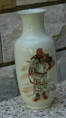 Antique 19C Chinese Porcelain Famille Rose Rouleau Shape Vase Guan Yu Portrayal