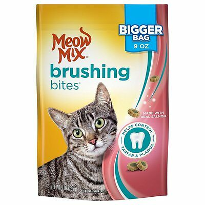 Meow Mix Brushing Bites Helps Control Tartar & Plaque With Real Salmon 9OZ