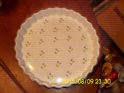 Ulster Ceramics Made in UK Pie dish approx 9 1/2 iches dia. Nice piece LOOK!!
