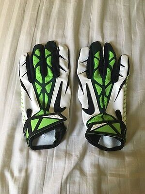 Marshawn Lynch Beast Mode Seattle Seahawks Nike Gloves Sz XL Rare Player Issue