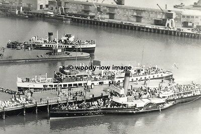 rp02416 - Red Funnel Ferries at Southampton - photo 6x4