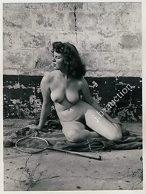 Nudism NUDE SQUASH PLAYER OUTDOOR / NACKTE SPORTLERIN FKK * Vintage 50 Photo