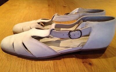 Hush Puppies vintage cream cinnamon leather suede buckle shoes size 6