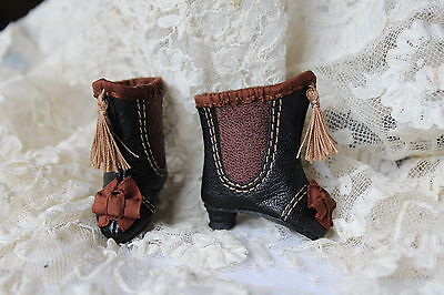 Beautiful boots  for antique French fashion doll 1  68''(4,3cm).
