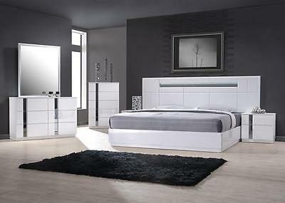 J&M Chic Modern Palermo White Lacquer King Size Bed Set Contemporary
