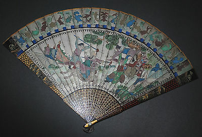 Superb Antique Chinese Gold Silver Lacquer Hand Painted Battle Scene Brise Fan