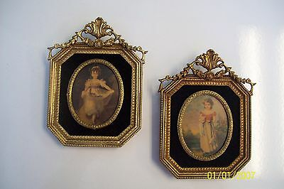 *SET OF 2* VINTAGE ILLINOIS MOULDING PICTURE GIRL w CAT & GIRL w FLOWERS 42 USA
