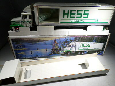 1987 BOXED UNUSED Hess Truck Tractor Trailer Hong Kong