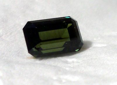 Large Sapphir Blue Green  2 Kt ! Very Attractive Stone