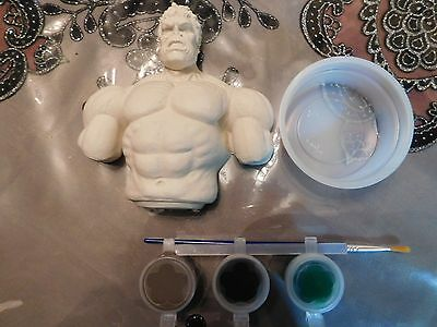 Hulk ready to paint plaster pack 2D free standing figurine w/ paints brush