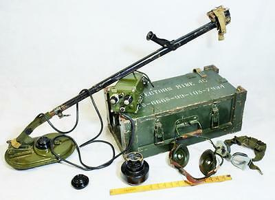 British Army mine detector No 4C in transit box