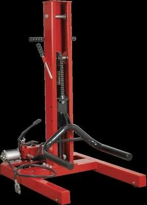 Sealey Air/Hydraulic Vehicle Lift 1.5 Tonne with Foot Pedal