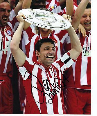 Mark Van Bommel SIGNED 10X8 PHOTO PSV EINDHOVEN Genuine AFTAL COA (1166)