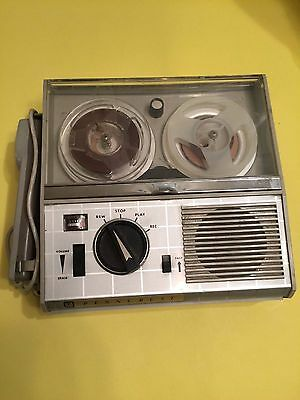 Penncrest Deluxe 4-Transistor Portable Reel To Reel Tape Recorder With Mic