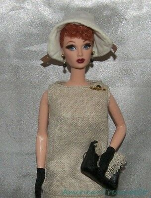 2002 Barbie Collector I LOVE LUCY PARIS GOWN Episode Doll w/Outfit Purse & Stand